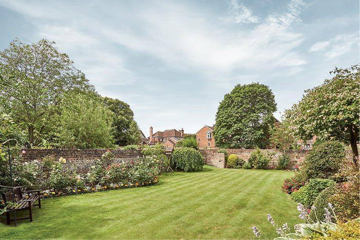 Chesil House Gardens
